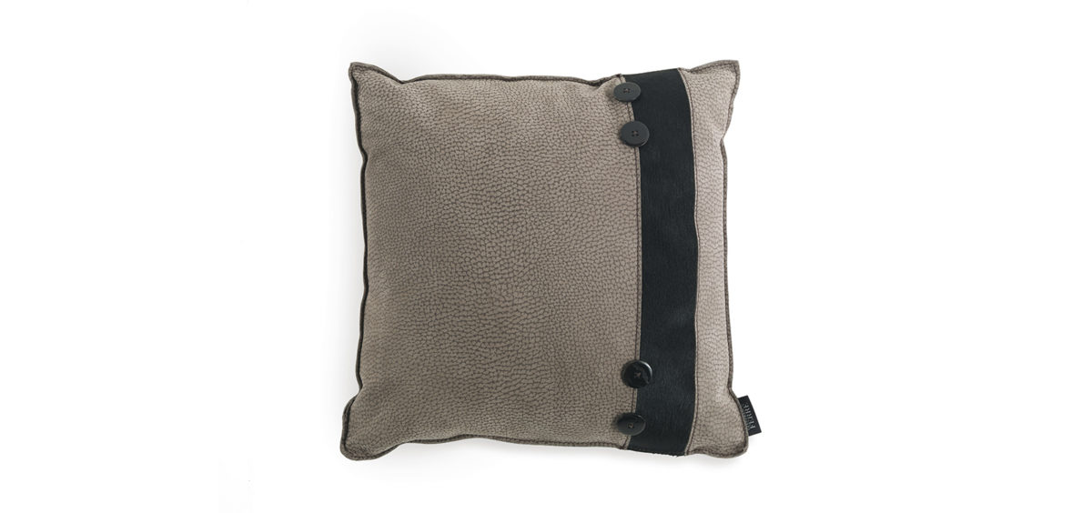 Hunter Cushion