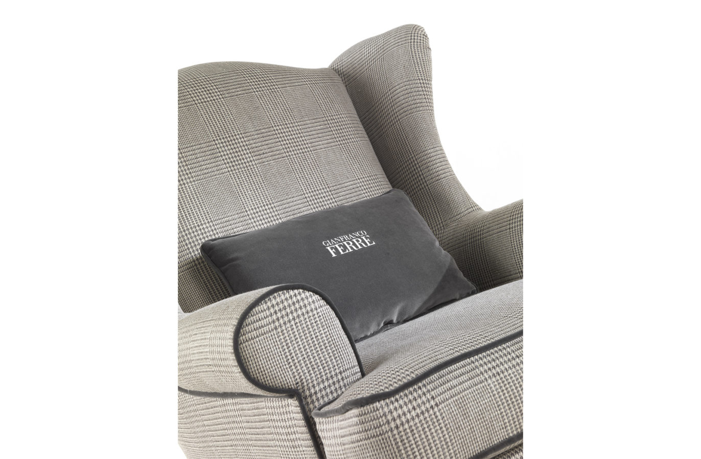 Gianfranco Ferre Home Ayla Armchair 01