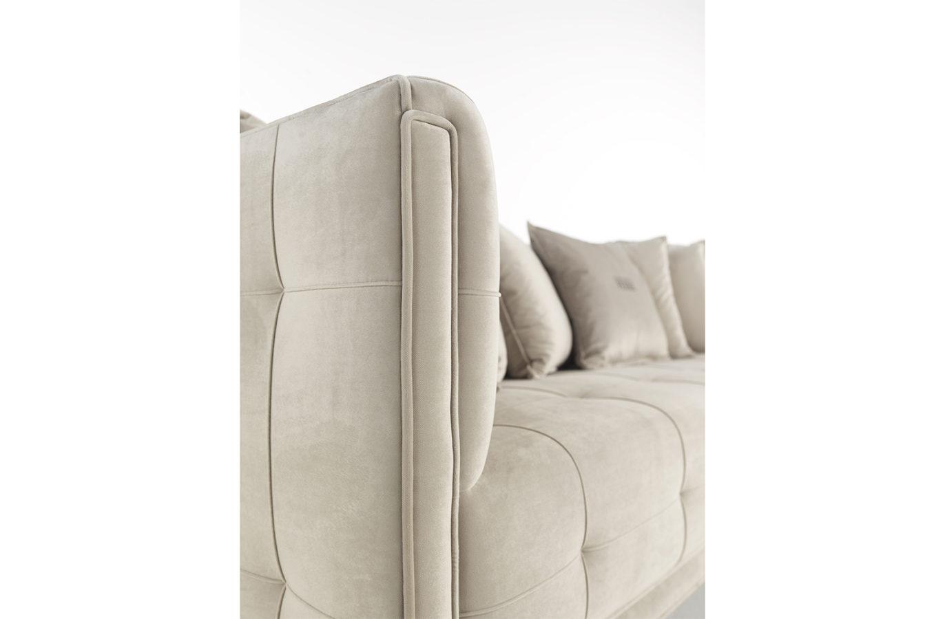 Gianfranco Ferre Home Bradmore Sofa