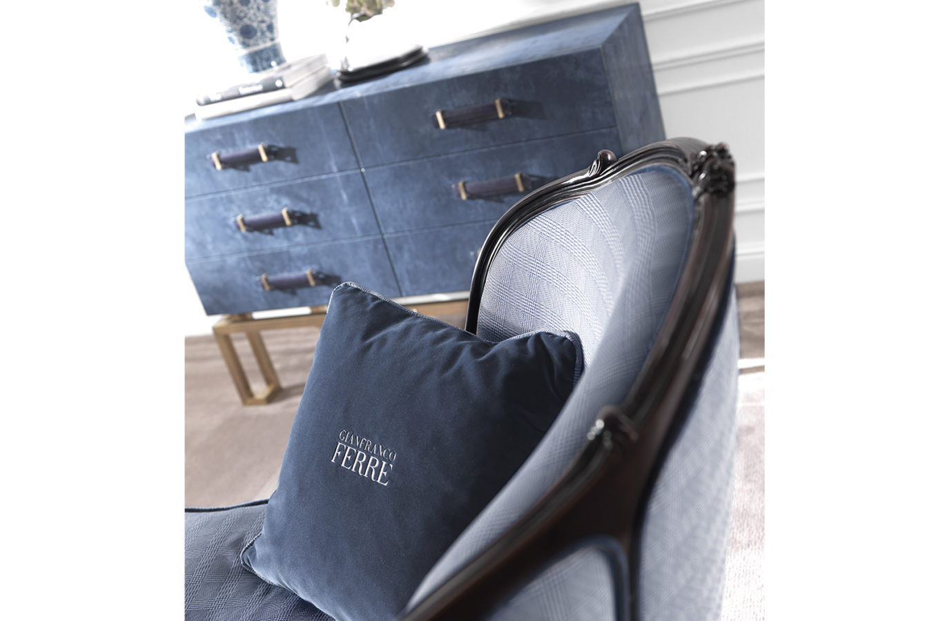 Gianfranco Ferre Home Burt Bench 01